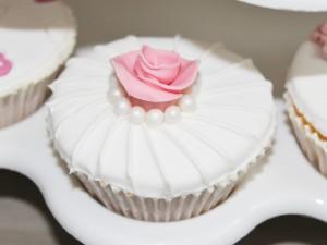 Cupcake mit Rose