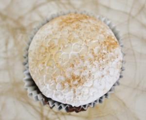 Cupcake gold weiß abgepudert